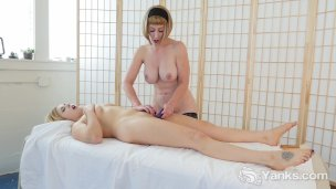 Yanks Beauties Miss Trish And Starlette Playing HD